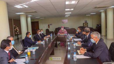 Photo de Sur instructions du Président de la République: Des membres du gouvernement discutent de la situation des prix